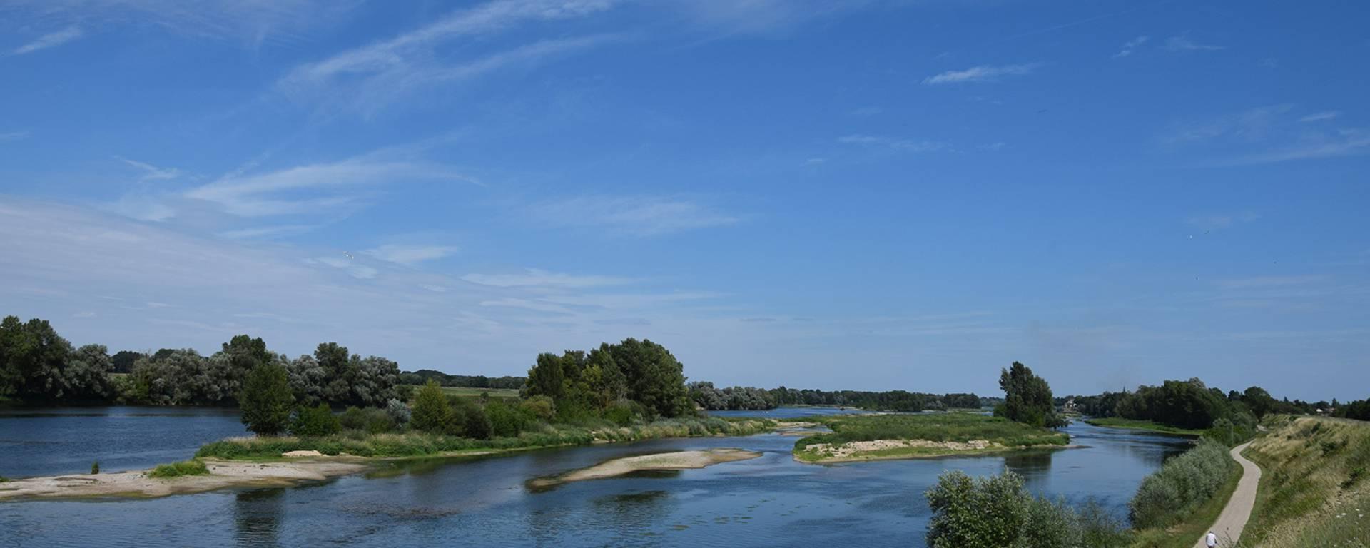 La Loire, fleuve sauvage à Saint-Dyé-sur-Loire.
