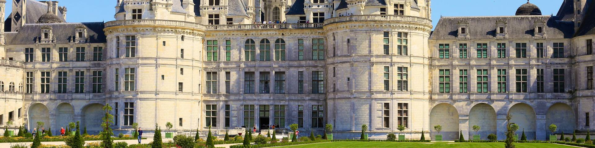 Le château de Chambord et ses jardins à la française. © Ludovic Letot