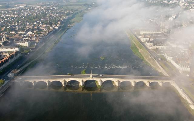 Vol en mongolfière au-dessus du pont de Blois