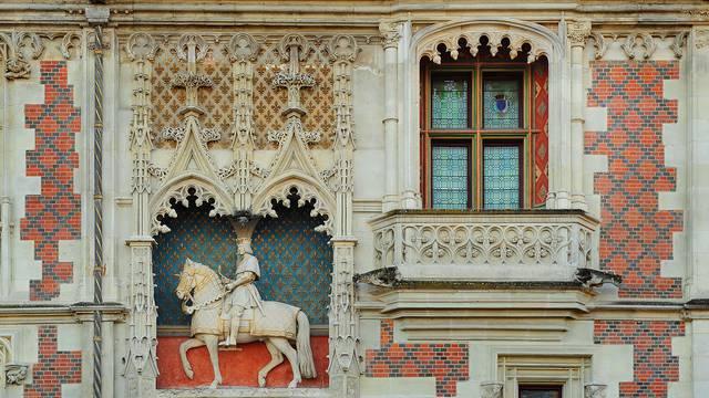 La Façade Louis XII © L. de Serres