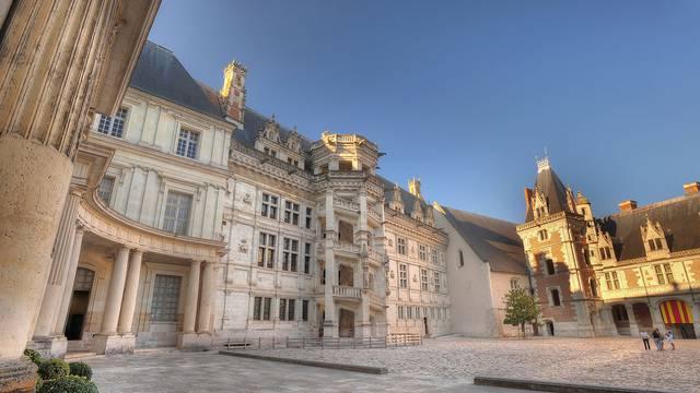 Le Château Royal de Blois © L. de Serres