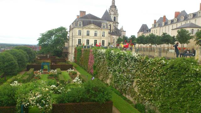 Les jardins de l'évêché à Blois. © OTBC