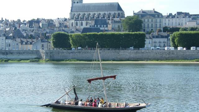 Futreau sur la Loire à Blois. © OTBC