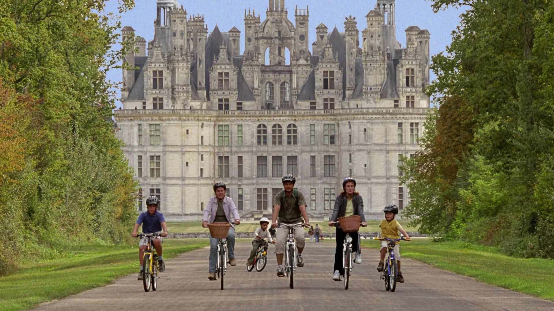 Le château de Chambord en vélo. © E. Mangeat