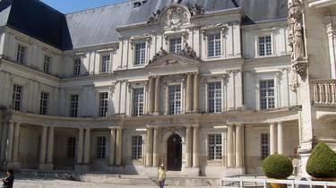 La cour intérieur du château royal de Blois. © OTBC