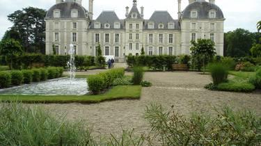 Le château de Cheverny et ses jardins. © OTBC