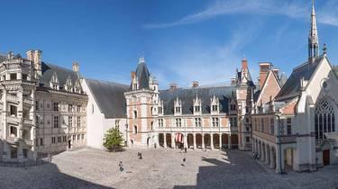 Cour du château royal de Blois © OTBC - TBourgoin