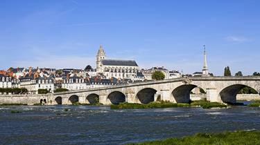 Le pont Jacques Gabriel de Blois. © Michel Angot