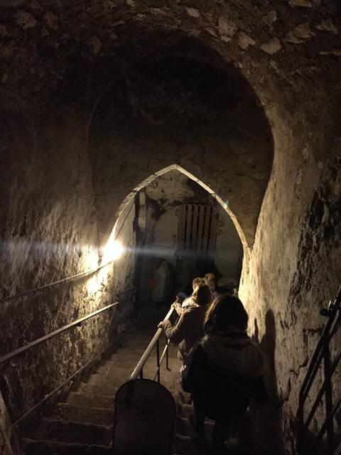 Visites et Secrets dans une cave blésoise © OTBC