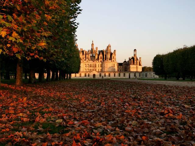 Chambord et ses légendes à l'automne. © F.Pavot