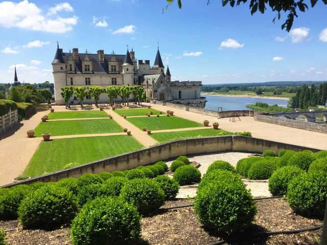 Le château d'Amboise et ses jardins © OTBC