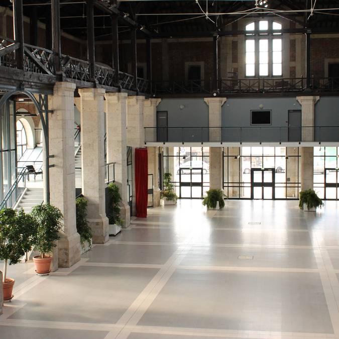 La grande halle de la Halle aux grains de Blois