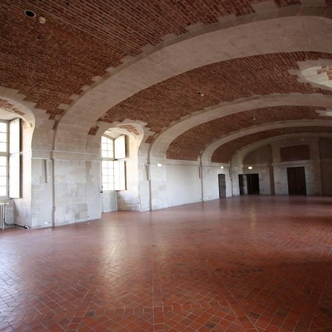 La salle des conférences du château royal de Blois à vide