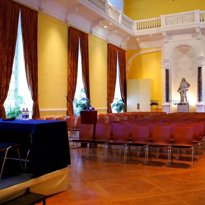 La salle Gaston d'Orléans du château royal de Blois avant une présentation