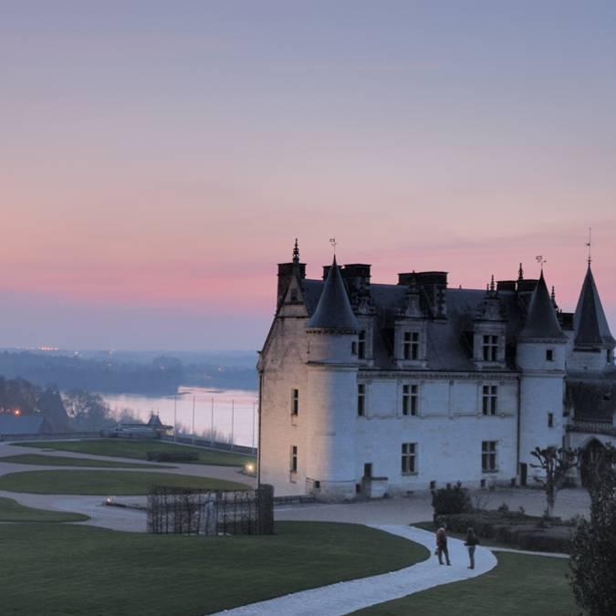 Château d'Amboise au crépuscule