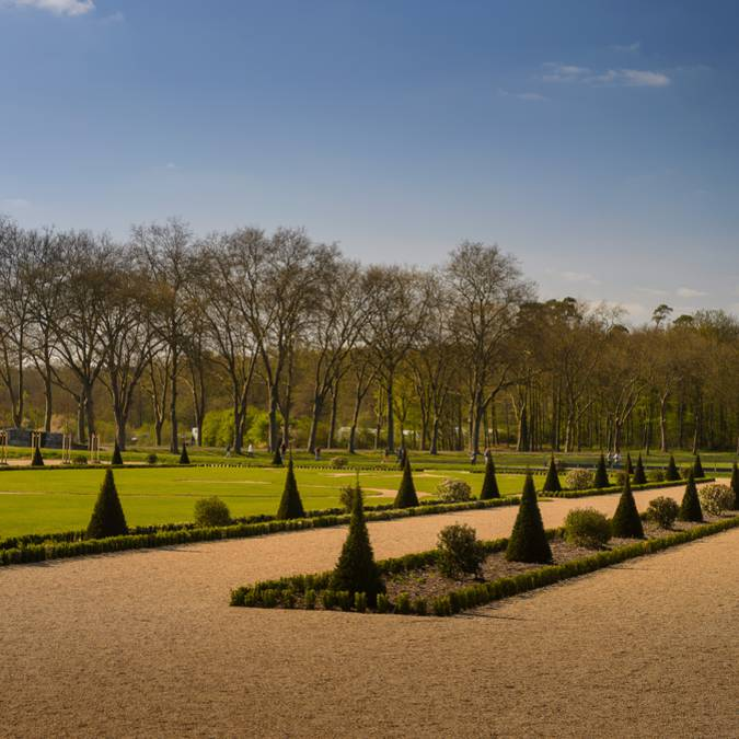 Les jardins de Chambord depuis les allées