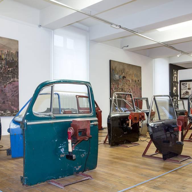 Salle d'exposition de la Fondation du doute © Thierry Bourgoin