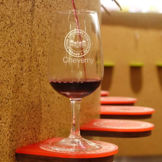 Dégustation automatisée de la Maison des Vins de Cheverny. © OTBC